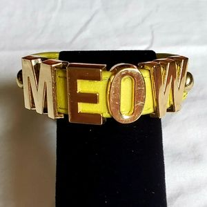 BCBG Leather cuff snap band MEOW, gold tone